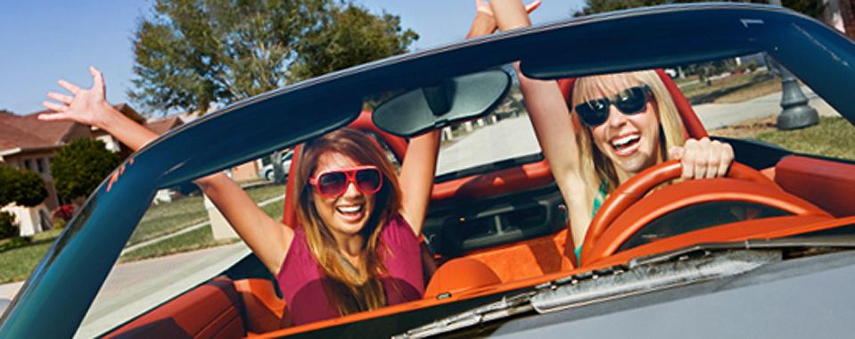 seguros-de-coche-para-personas-jovenes